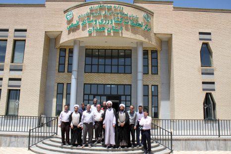 بازدید نماینده ولی فقیه در استان همدان از مرکز تحقیقات کشاورزی و منابع طبیعی استان همدان